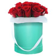 Imported roses in a hat box - flowers and bouquets on flora.lg.ua